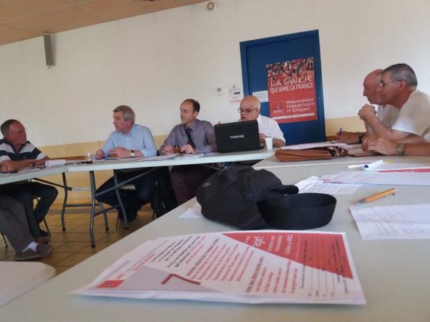 Photo : François Mas (MRC 33). Une partie des participants le 8 juillet 2017 à Saintes (17) : autour de Jean-Luc Laurent, président du MRC, de Serge Maupouet et de Jean-Luc Delcampo (MRC 17), Bruno Chevalier (MRC 44), Michel Le Creff et Ricardo Mella (MRC 17).