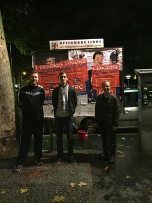 Soirée collage pour une poignée de militants du Rhône