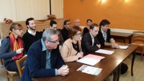 """Conférence de presse à Villefranche-sur-Saône de la liste """"L'Humain d'abord. Avec la gauche républicaine et sociale"""" du département du Rhône."""
