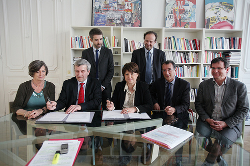 Photos de la signature de l'accord PS-MRC