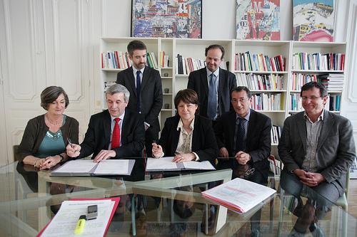 Photos de la signature de l'accord PS-MRC